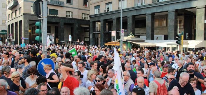 """In migliaia a Milano per la manifestazione """"Europa senza muri"""""""